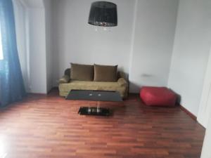 A seating area at apartament eurotrader321
