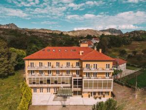 A bird's-eye view of Hotel Castrum Villae - Walk Hotels