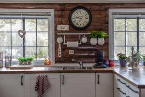 Küche/Küchenzeile in der Unterkunft Fidjeland 61