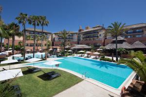 Het zwembad bij of vlak bij DoubleTree by Hilton Islantilla Beach Golf Resort