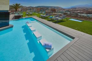 A view of the pool at Barceló Granada Congress or nearby