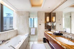 A bathroom at The Ritz-Carlton, Chengdu