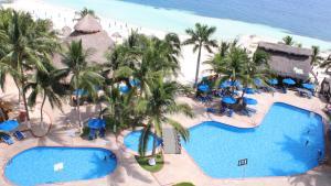 Vista de la piscina de Hotel Casa Maya o alrededores