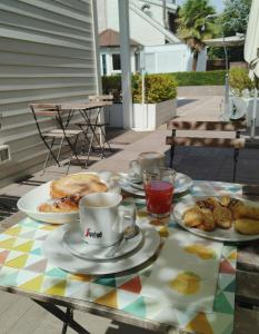 Breakfast options available to guests at Magnolia Room & Breakfast