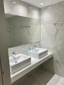 A bathroom at Hotel Agrelli