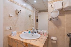 A bathroom at Gran Hotel Peñiscola