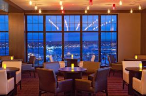 A restaurant or other place to eat at Westin Portland Harborview