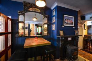 The lounge or bar area at Rockbarton House Hotel