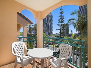 A balcony or terrace at Aruba Surf Resort