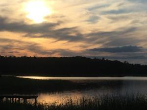 Wschód lub zachód słońca widziany z tego domu wakacyjnego