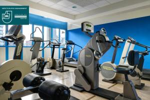 The fitness centre and/or fitness facilities at UNAWAY Hotel & Residence Quark Due Milano