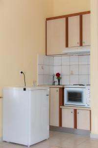 Η κουζίνα ή μικρή κουζίνα στο Στούντιο Μαριάννα