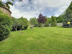 A garden outside Les Grandes Vignes
