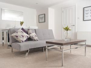 A seating area at Marischal Apartments