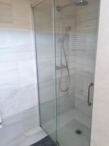 Un baño de Gloria's House