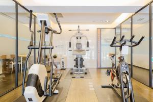 The fitness center and/or fitness facilities at Just Sleep Kaohsiung Zhongzheng