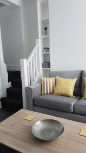 A seating area at Townhouse @ Birches Head Road Stoke