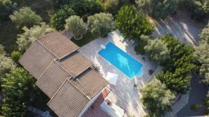 Θέα της πισίνας από το Calderimi Lefkada ή από εκεί κοντά