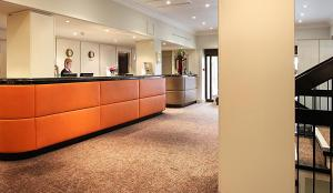 The lobby or reception area at Mercure Winchester Wessex Hotel