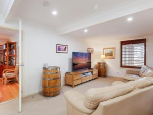 A seating area at Beauty and the Beach', 88 Foreshore Drive - large home with WIFI & water views