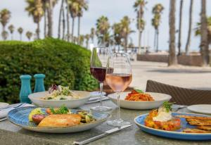Lunch and/or dinner options for guests at Casa Del Mar