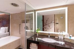 A bathroom at China Hotel