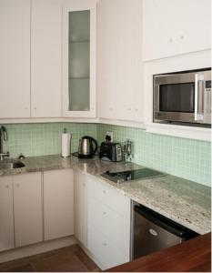 A kitchen or kitchenette at Umnenge House
