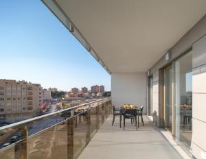 Un balcón o terraza de Ahoy Apartments