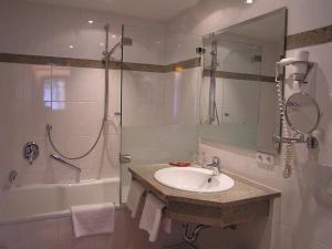A bathroom at Tilman Riemenschneider