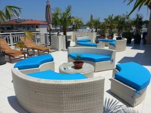 Πισίνα στο ή κοντά στο Harisis Apartments