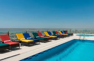 The swimming pool at or near Four Points by Sheraton Sheikh Zayed Road