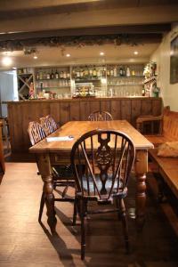 The lounge or bar area at Hollybush Inn