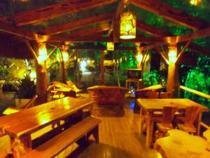 A restaurant or other place to eat at Abayomi Pousada