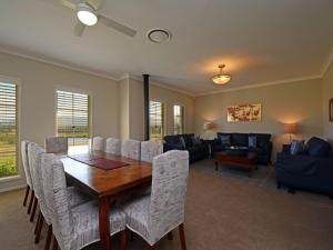The lounge or bar area at Silver Springs 6br Luxury Homestead with Wifi, Pool. Fireplace, Views, Olives and Space
