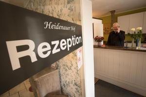 Lobby/Rezeption in der Unterkunft Hotel Heidenauer Hof