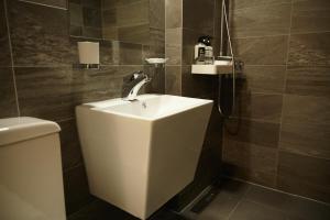 A bathroom at Haru Hostel Guesthouse Sokcho