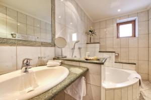 A bathroom at Hotel Palin