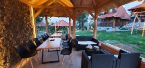 Restoran ili drugo mesto za obedovanje u objektu Lodge Nagramak