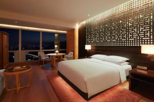 A room at Park Hyatt Guangzhou