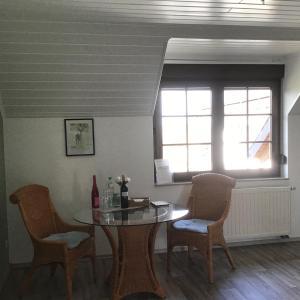 A seating area at Gästehaus Merowinger Hof