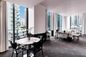 A restaurant or other place to eat at SLS Brickell