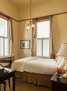 A room at The Sacajawea Hotel