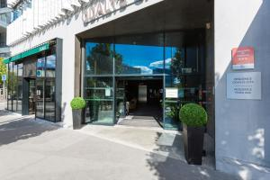 The facade or entrance of Odalys City Paris XVII