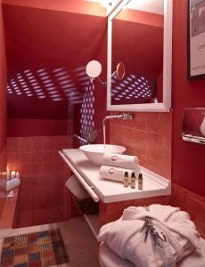 A bathroom at Altana Heritage Suites