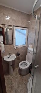 A bathroom at Hotel Top Central