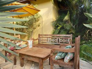 A seating area at Apartamentos Portal da Ferradura