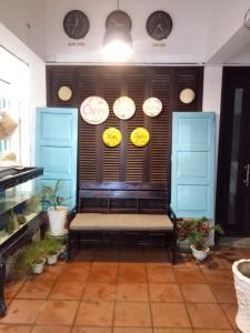 The lobby or reception area at Cheri Lady Homestay Hue