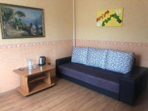 A seating area at Zhemchuzhina Kavkaza Hotel