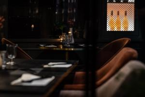 A restaurant or other place to eat at Boutiquehotel 't Fraeyhuis