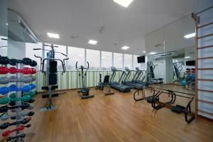 The fitness center and/or fitness facilities at Quality Hotel Aeroporto Vitória